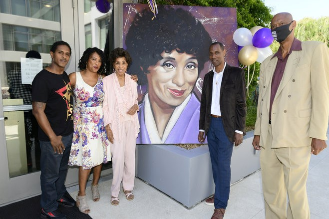 Marla Gibbs B-day party (with her kids)