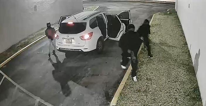 Miami-Dade Mass shooting - suspects getting out of car