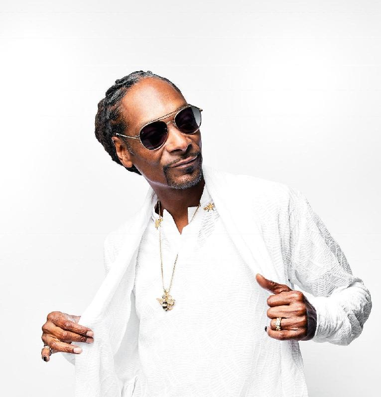 Snoop Dogg (all white)