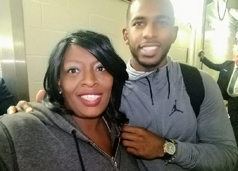 DC Livers and Chris Paul - in locker room at Madison Square Garden