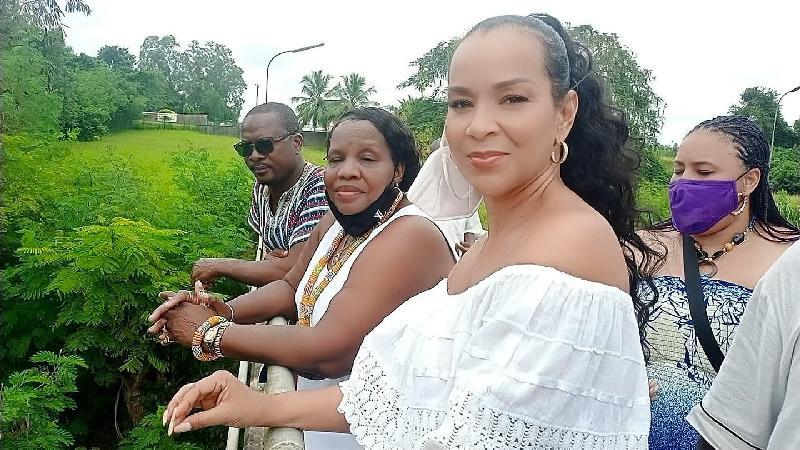 LisaRaye Ghana - LisaRaye with Queen Mother Yahweh and Entourage