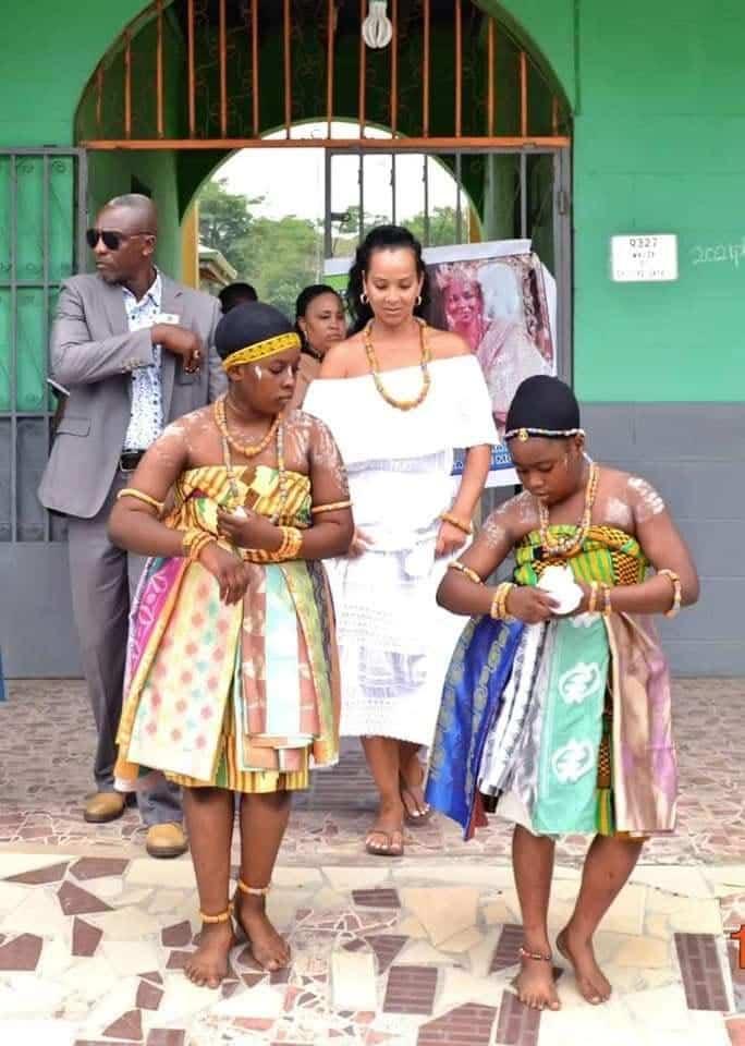 LisaRaye Ghana - LisaRaye with celebratory dancers and Entourage