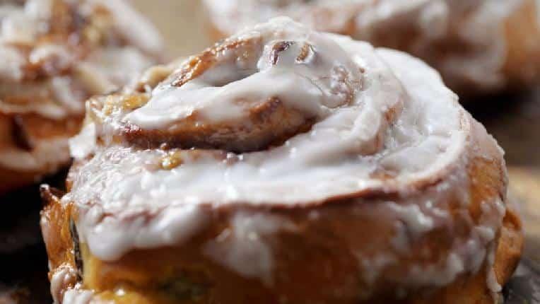 Cinnamon bun - Getty - 643133398_374310